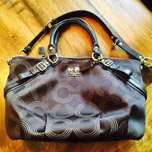 Brown Coach Purse in Great Condition  Cambridge Kitchener Area image 1
