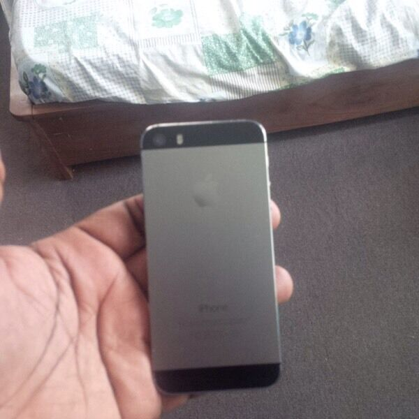 iPhone 5s black 16 gb unlocked to any networkin Stratford, LondonGumtree - final price no offer , no offer Hi I am selling iPhone 5s space grey space 16 gb unlocked to any network . Phone is fully working. Good battery . iCloud removed . Phone only no charging cable Cash on collection only