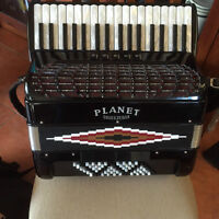 Planet Squeezebox 72 Bass in very good conidtion