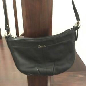 Coach small black leather Crossbody purse Kitchener / Waterloo Kitchener Area image 1