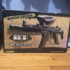 BT Delta Elite Paintball Gun + Accessories