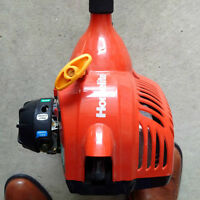 GAS TRIMMER.....LIKE NEW CONDITION