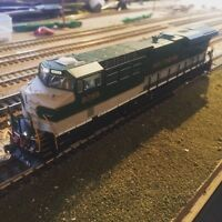 Intermountain ES44AC HO scale Train
