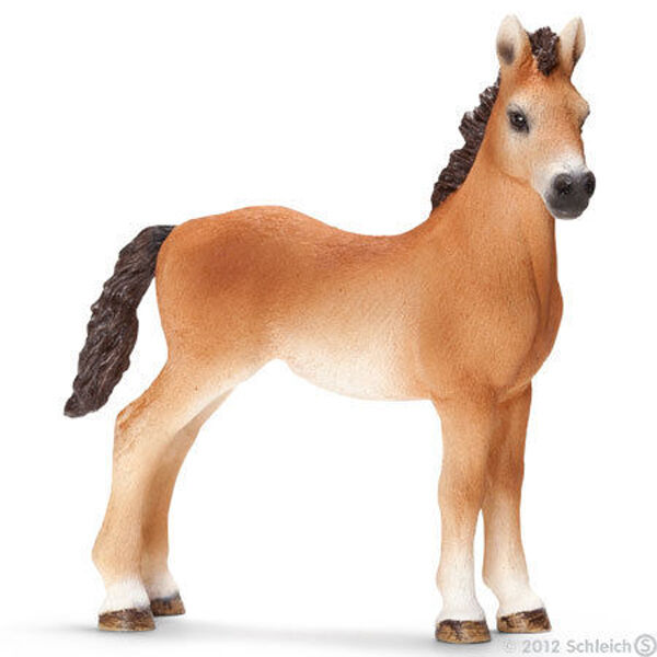 *NEW* SCHLEICH 13714 Tennessee Walker Horse Yearling - RETIRED