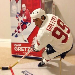 "Wayne Gretzky 12"" McFarlane figure team canada  Cambridge Kitchener Area image 1"