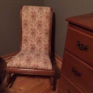 Solid wood rocking chair Peterborough Peterborough Area image 1