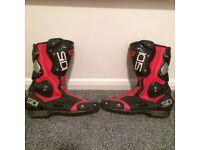 Motorbike boots size 11. £20
