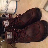 Safety Boots -steal toe Boots size 11 BRAND NEW