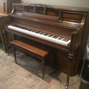 Yamaha M2F Upright piano - furniture style