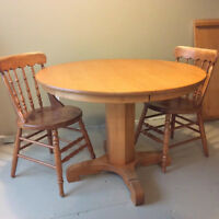 Solid maple pedestal table and 4 chairs