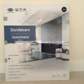 Contemporary glass splashback