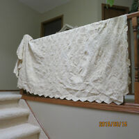 Vintage Hand crochet lace cover coverlet bedspread