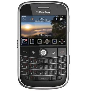 TRES BONNE CONDITION UNLOCKED BLACKBERRY BOLD 9000 ($50).......