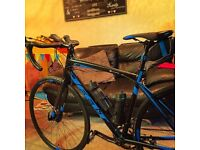 2016 felt disc road bike immaculate 2 months old. 54 frame 450 ono