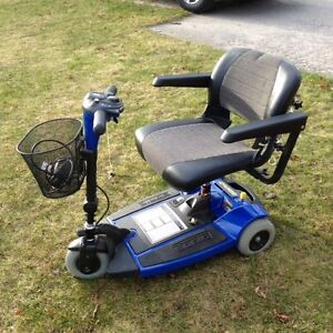 (New never used) Sonic Pride scooter and power hitch lift $1000 Kingston Kingston Area image 1