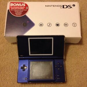 Nintendo DSi - Blue with protector case