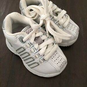 Toddler size 2-6 sandals, runners and slippers Kitchener / Waterloo Kitchener Area image 3