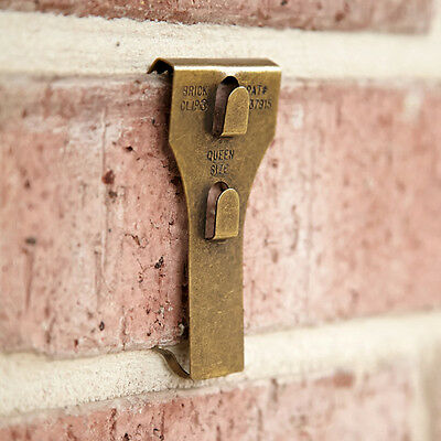 top 3 christmas lights hacks for brick houses ebay. Black Bedroom Furniture Sets. Home Design Ideas