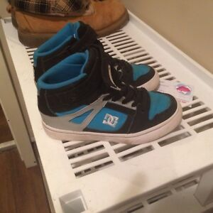 Boys new DC shoes size 13