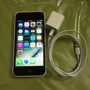 White IPhone  5 C ,16 gigs,on Rogers network