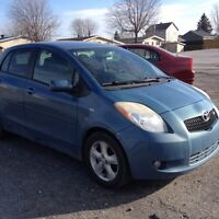 2007 Toyota Yaris RS.  MAGS-AIR-VITRES.  2850$$