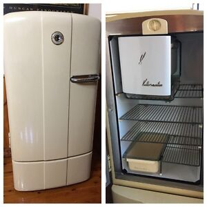 Retro Kelvinator Fridge! Wagga Wagga Wagga Wagga City Preview