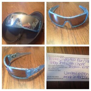 Rare Holiday Oil Rig Oakley Frost Blue