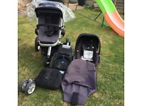 Quinny Buzz, pebble car seat and base unit.