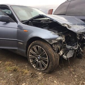 BMW 325 xi parts out