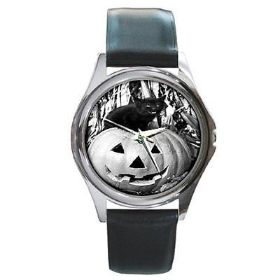HALLOWEEN BLACK CAT ON PUMPKIN SILVER-TONE WATCH 6 OTHER STYLES (Watch Halloween 6)