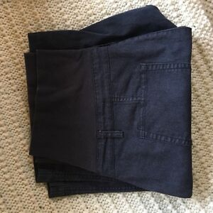Thyme Maternity pants and shorts size large  West Island Greater Montréal image 4