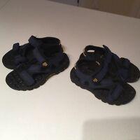 Sandales pour enfant ajustables grandeur 10 et 11  À l'état neu