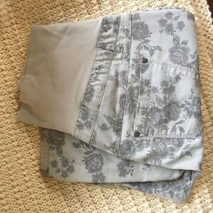 Thyme Maternity pants and shorts size large  West Island Greater Montréal image 3