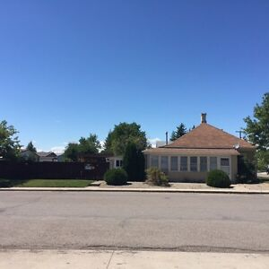Gorgeous 3 bedroom 1 bathroom house for rent