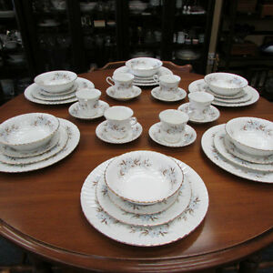 ROYAL STANDARD DAWN FINE BONE CHINA DINNERWARE SET FOR 6