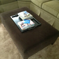 Brown Ottoman with nails stud