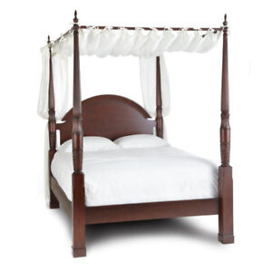 BOMBAY COMPANY QUEEN HERNING CANOPY BED $300