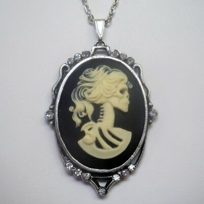 (Real Metal JewelryLarge Lolita Cameo Silver Necklace)