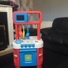 Children's kitchen with sounds & extras