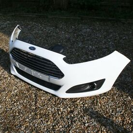 FORD FIESTA 1.0 ECOBOOST FRONT BUMPER inc FOG LAMPS GRILLS & BADGE 62 PLATE