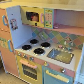 SOLD!! Kids Costco Kitchen - good condition