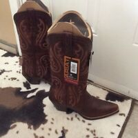 Ladies Cowboy Boots NWT