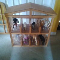 Wooden Horse Barn/Stable