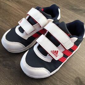 Young Boys Adidas Trainers - Size 8