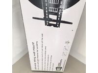 Slim line tilting wall mount tv bracket brand new in box