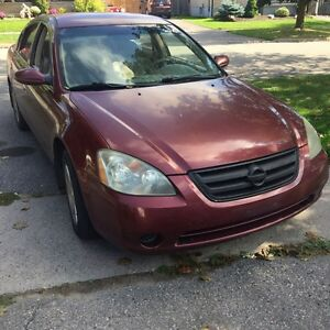 02 Nissan Altima for sale $900. Call 647 695 6229