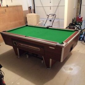 7FT Pub Pool Table with loads of extras.