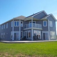 4 bdrm ocean front, 5 yr old executive, 20 mins fr. Moncton