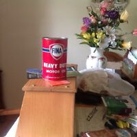 Collectible oil can