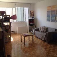 Beautiful 2 1/2 for Rent for June 1st in the heart of downtown